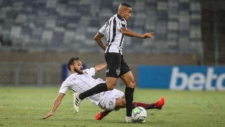 Foi uma noite de busca intensa pelo gol, mas desta vez o Galo não conseguiu a virada no Mineirão-(LUCAS MERÇON / FLUMINENSE F.C.)