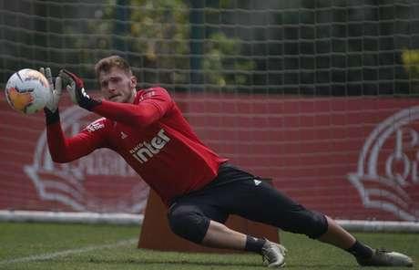 Lucas Perri é o reserva imediato do gol do São Paulo (Rubens Chiri/saopaulofc.net)