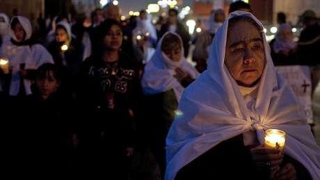 Protesto em Ciudad Juárez, exigindo justiça pelos assassinatos de Marisela e sua filha Rubí