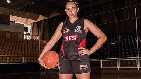 Armador da seleção, Tainá Paixão é um dos destaques do Paulista pelo Sesi Araraquara