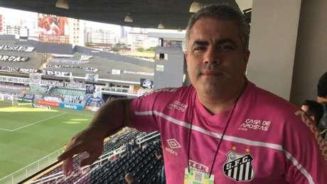 Rollo esteve na Vila acompanhando a derrota do Santos para o Atlético-GO, nesta quarta (14) (Foto: Divulgação)