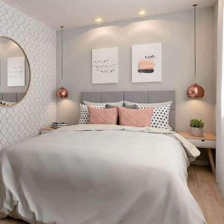 14. Decoração de quarto com luminária pendente de cabeceira rose gold – Foto: Pinterest