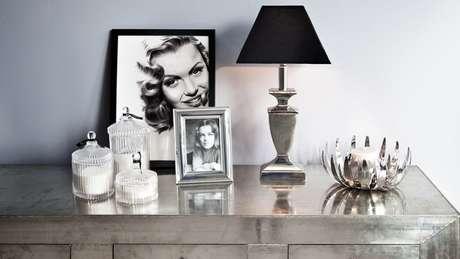 1. Porta retratos criativos com fotos em preto e branco – Via: Pinterest