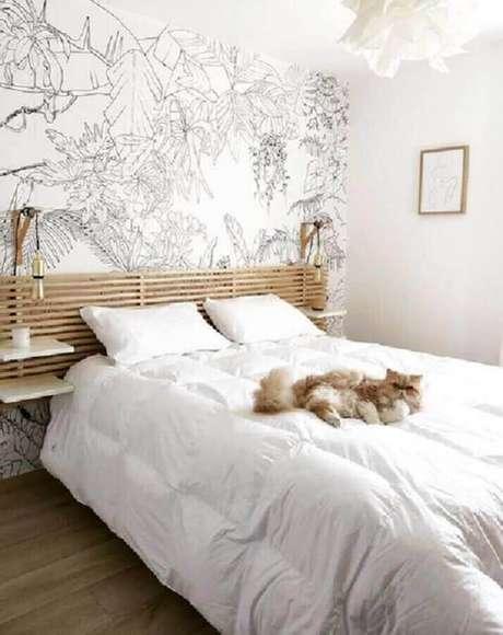45. Papel de parede para decoração de quarto com luminária de cabeceira para leitura de madeira – Foto: Pinterest