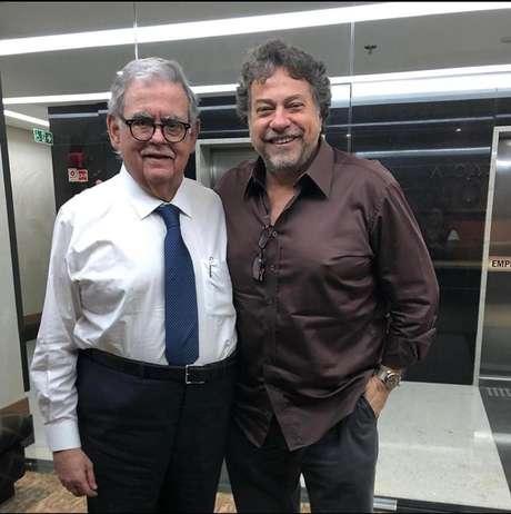 Julio Casares e o advogado Antônio Cláudio Mariz (Foto: Divulgação)