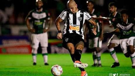 Fábio Santos fez muitos gols de pênalti para oAtlético-MG