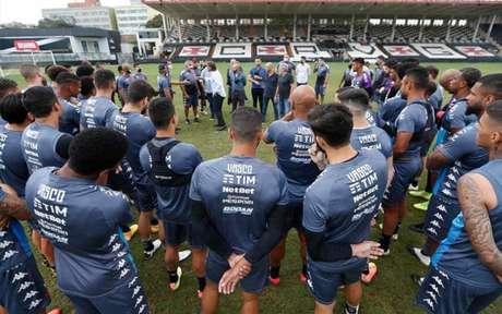 Sá Pinto teve contato com o elenco, vai a Porto Alegre, mas ainda não comandará o time (Rafael Ribeiro/Vasco)