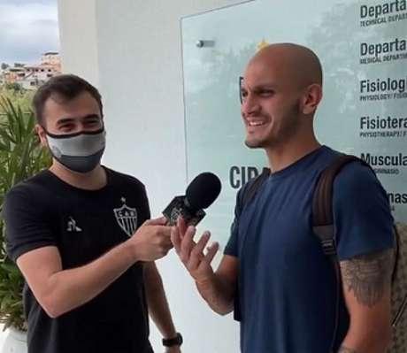 Fábio Santos se despediu do time alvinegro neste sábado-(Reprodução/TV Galo)