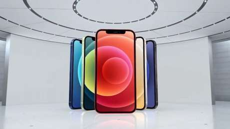 iPhone 12 (Imagem: Apple)