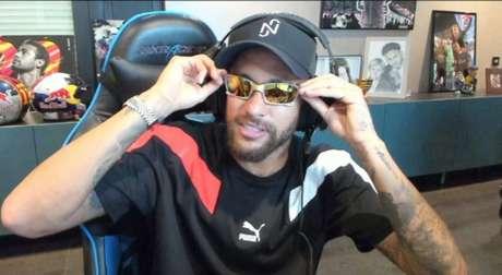 Neymar vazou telefone do amigo Richarlison em live(Reprodução/ Twitch Neymar)