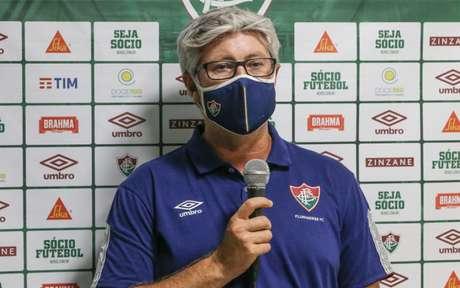 Odair exalta garra de seus jogadores para buscar empate - LUCAS MERÇON / FLUMINENSE