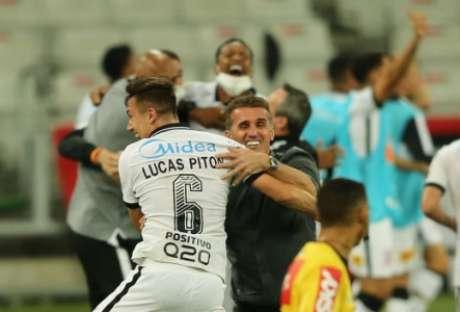 Corinthians quer vencer o Flamengo (Foto:Fotoarena/Lancepress!)