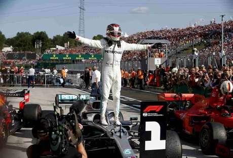81 – Após uma sequência sem vitórias, Lewis Hamilton venceu o GP da Hungria de 2019
