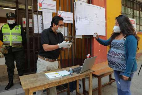 Eleições gerais na Bolívia ocorrem em meio ao clima tenso e polarizado