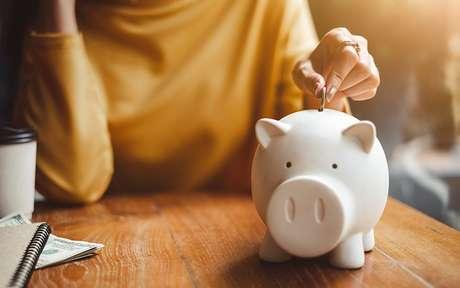 Simpatias para atrair dinheiro e auxiliar sua vida financeira