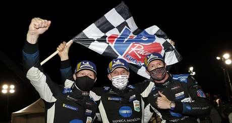 A festa do trio da WTR após a vitória na Petit Le Mans