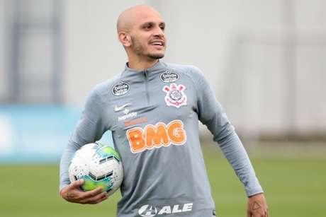 Fábio Santos já treinou com o elenco nesta segunda-feira, no CT Joaquim Grava (Foto: Rodrigo Coca/Ag. Corinthians)