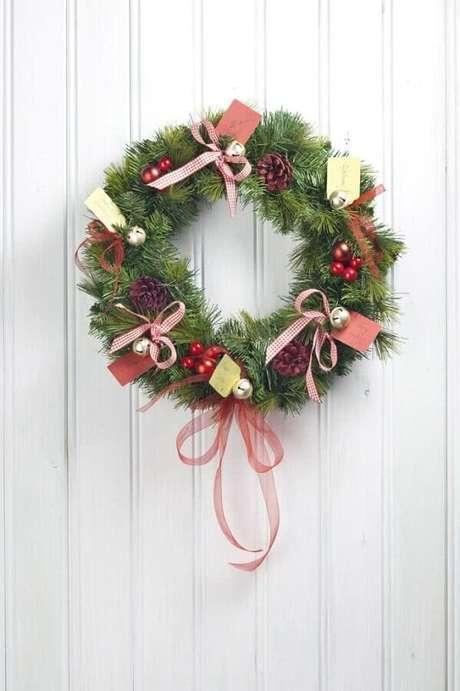 47. Pequenos enfeites para guirlanda feita com festão de Natal – Foto: Pinterest