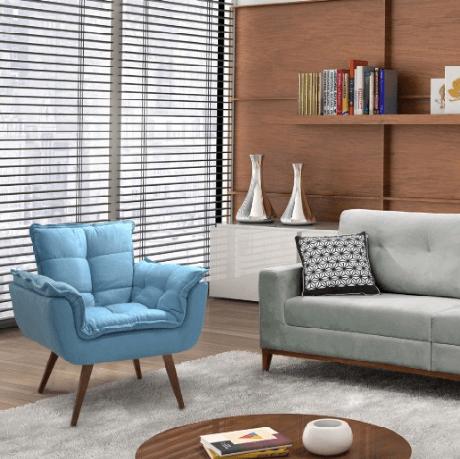 7. Poltrona opala azul na decoração da sala de estar – Via: Pinterest