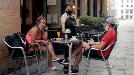 Madrid introduziu uso obrigatório de máscaras ao ar livre