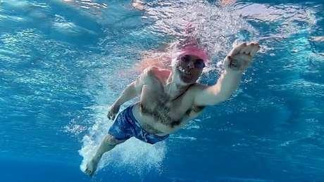 A pesquisa estudou o corpo de nadadores de água fria
