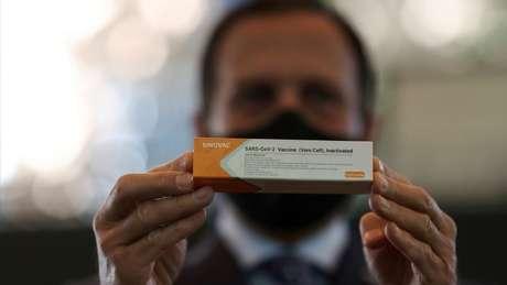 Governo de SP quer que vacinação contra covid-19 seja obrigatória