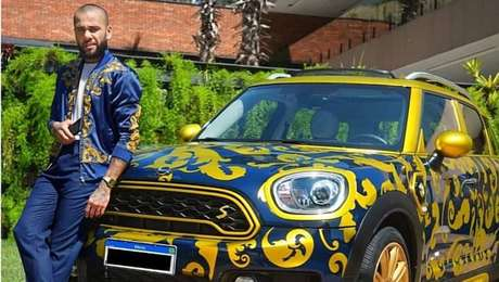Daniel Alves colocou seu Mini Cooper estilizado à venda por R$ 180 mil