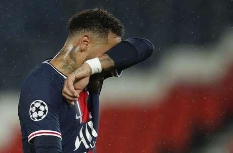 Neymar volta a ser notícia por causa de uma lesão 20/10/2020 REUTERS/Gonzalo Fuentes