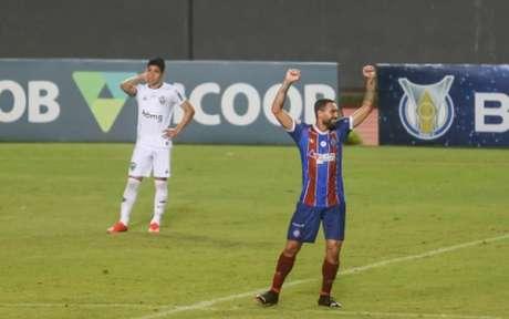 Gilberto comemora vitória do Bahia contra o Galo, em Salvador (Tiago Caldas/Fotoarena/Lancepress!)