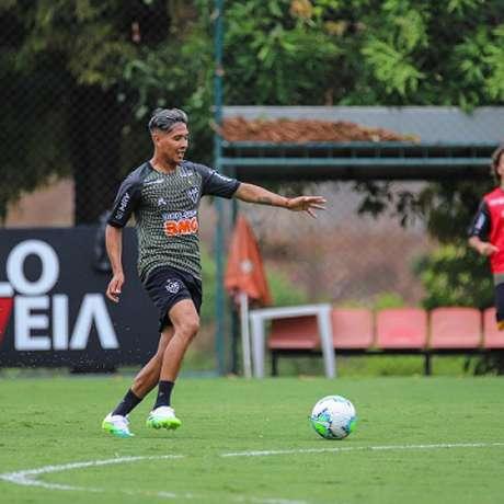 Zaracho já treina no Atlético-MG e tem o aval de Sampaoli antes mesmo de estrear-(Pedro Souza/Agência Galo)