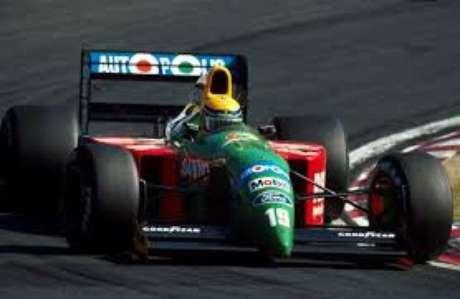 Roberto Moreno com o Benetton Ford B190 no GP do Japão de 1990: brilhante segundo lugar.