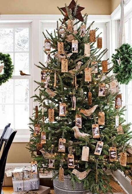 55. Árvore de natal diferente com decoração rústica – Via: The interior Designer