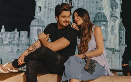 Luan Santana e Jade Magalhães anunciam término do noivado