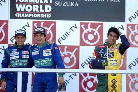 Pódio de Suzuka em 1990: Moreno completa a dobradinha brasileira com Nelson Piquet.