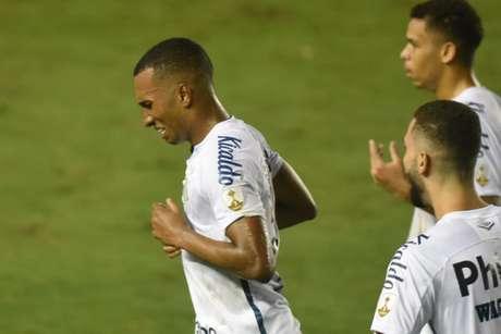 Lucas Braga entrou em campos aos 12 minutos do segundo tempo para ser decisivo (Foto: Ivan Storti/Santos FC)