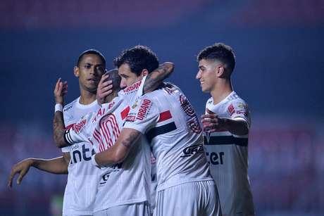 Pablo comemora gol marcado no Binacional (Rubens Chiri/saopaulofc.net)