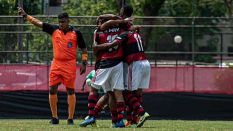 Jogadores do Flamengo comemoram um dos gols (Divulgação: Twitter/Flamengo)