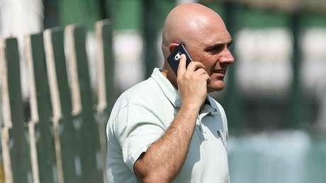 O presidente do Palmeiras, Maurício Galiotte, ainda procura por um novo técnico
