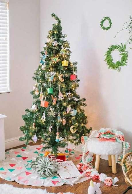 58- Modelo de pinheiro de natal decorado. Fonte: Pinterest