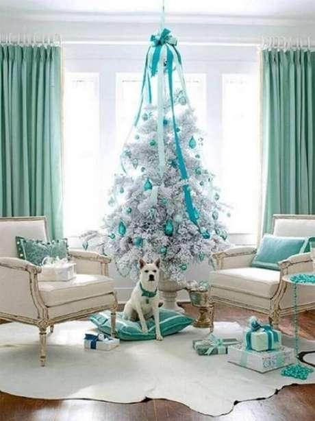 62- O pinheiro branco é puro charme e estilo. Fonte: Pinterest