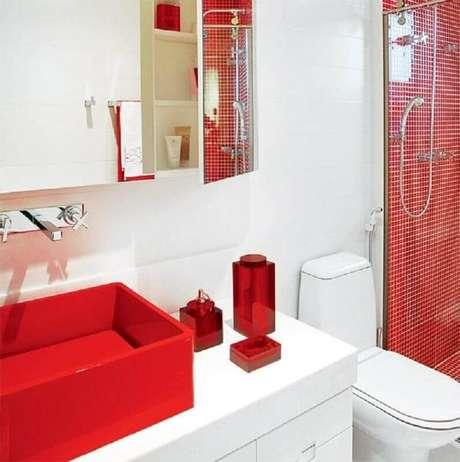 61. Pastilha e cuba para banheiro vermelha – Foto: Pinterest