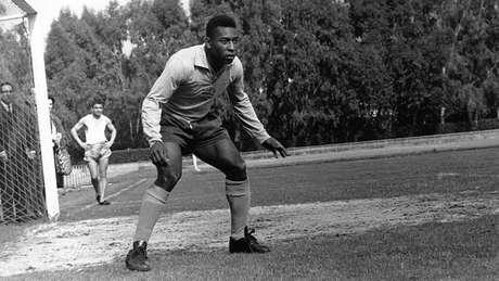 Pelé era o goleiro substituto do Santos e do Brasil