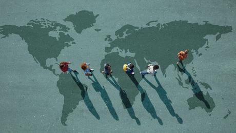 Para a OCDE, 'ao lidar com a globalização, esta geração precisará de novas habilidades. Seja em ambientes de trabalho tradicionais ou empreendedores, os jovens precisarão colaborar com pessoas de diferentes disciplinas, culturas e sistemas de valor, de modo a resolver problemas complexos e criar valor social e econômico'
