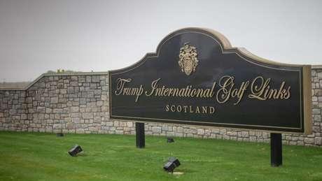 Trump possui campos de golfe na Irlanda