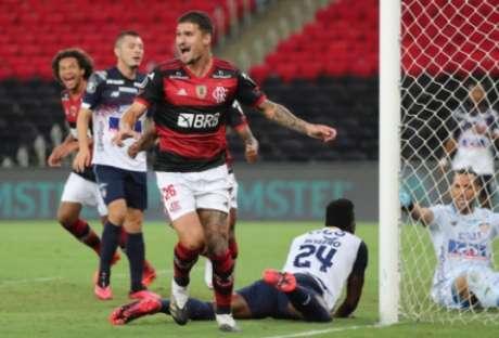 Com gols de Thuler (na foto), Lincoln e Bruno Henrique, Flamengo vence e garante liderança na Liberta (Foto: AFP)