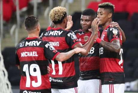 Bruno Henrique marcou o terceiro gol do Flamengo na partida (Foto: AFP)