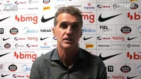 Mancini vê elenco comprando ideia (Foto: Reprodução/Corinthians TV)