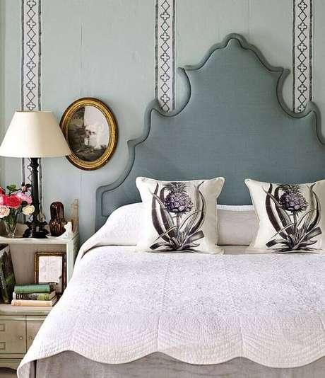 1. Saiba escolher o modelo de cabeceira cinza ideal para o seu quarto – Foto: All Decor Boutique