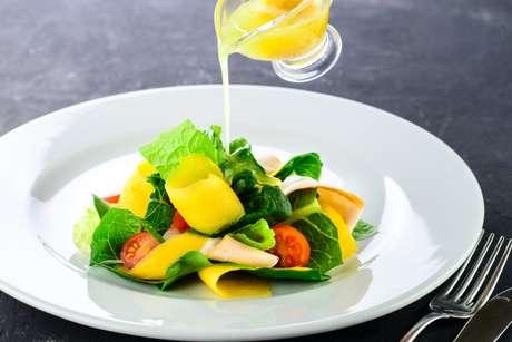 Guia da Cozinha - Vinagrete x Molho à campanha: você sabe a diferença?