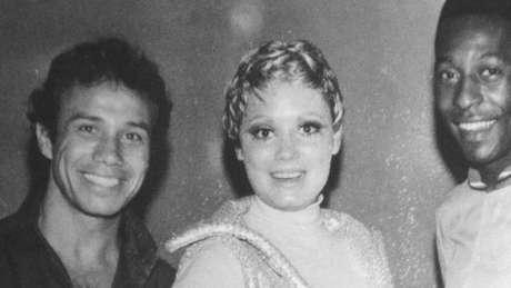 Stênio Garcia, Regina Duarte e Pelé nos bastidores da novela Os Estranhos, em 1969